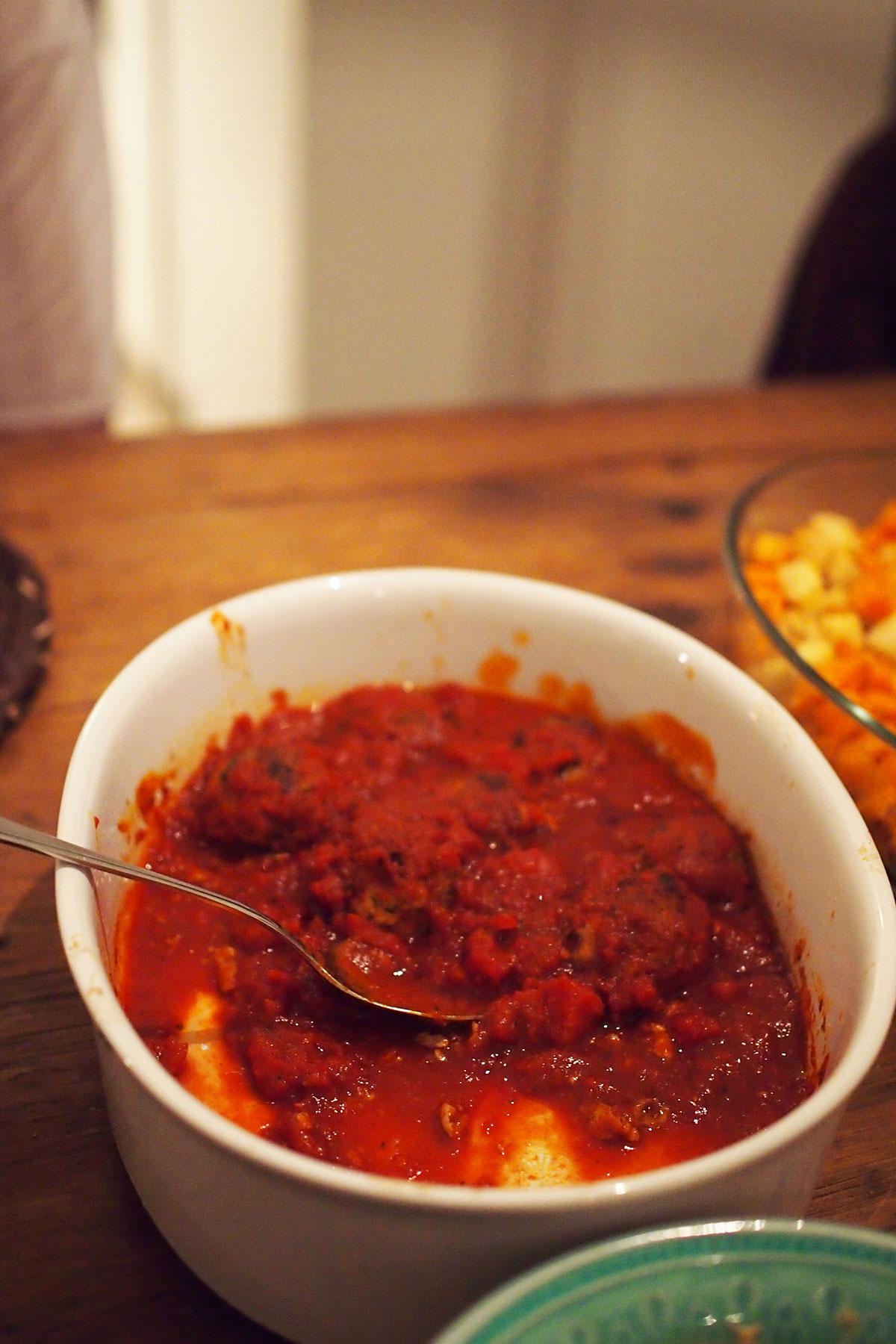 marokkolaiset-lihapullat-tomaattikastikkeessa-3