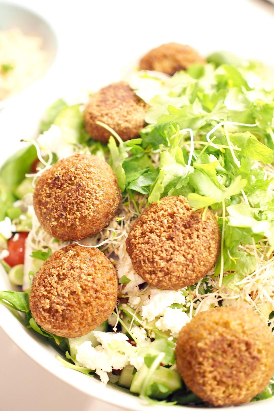 falafel-fetasalaatti