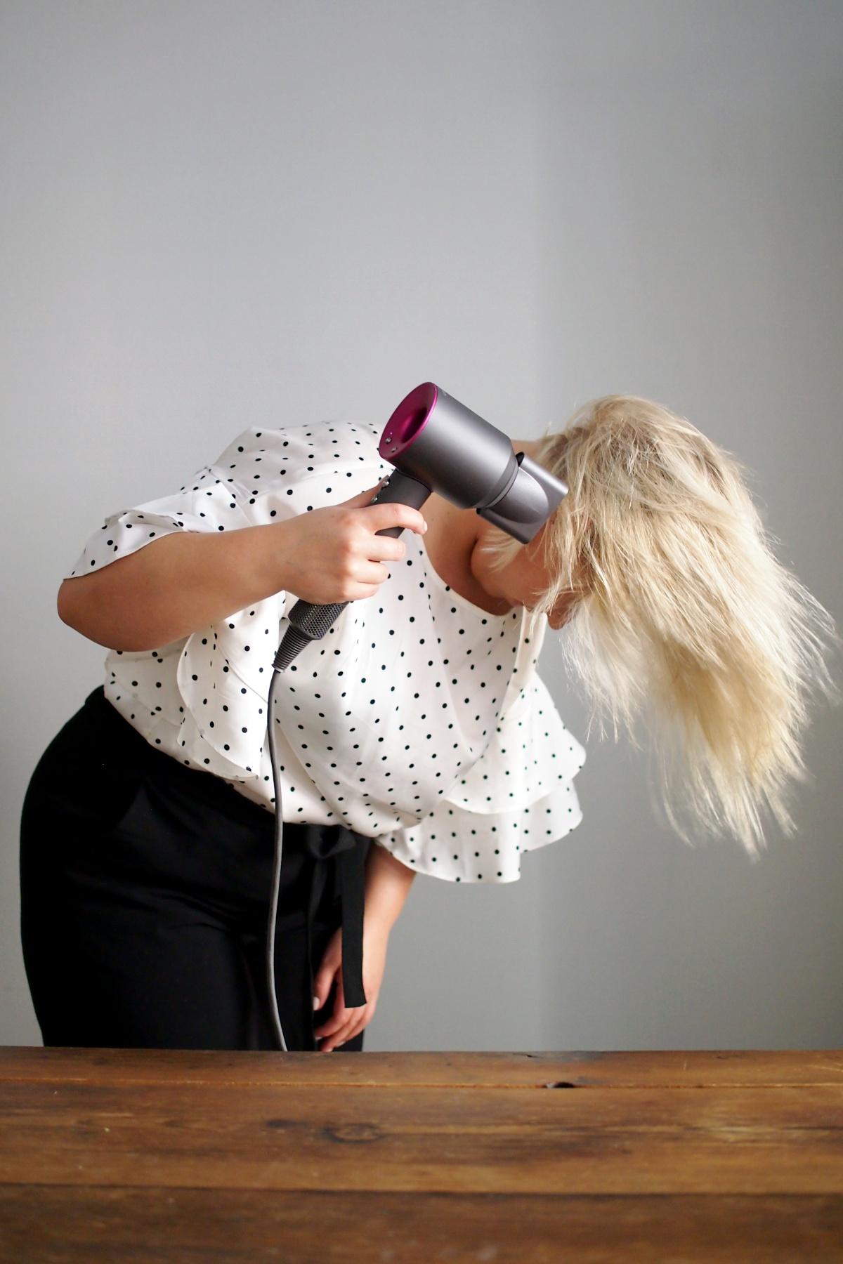 hiustenkuivaaja