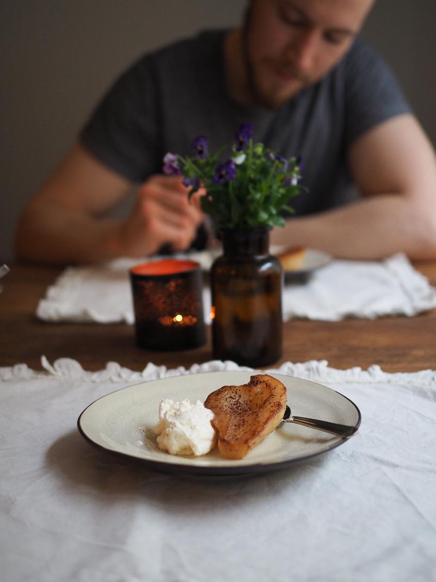 panopäärynät eli karamellisoidut päärynät