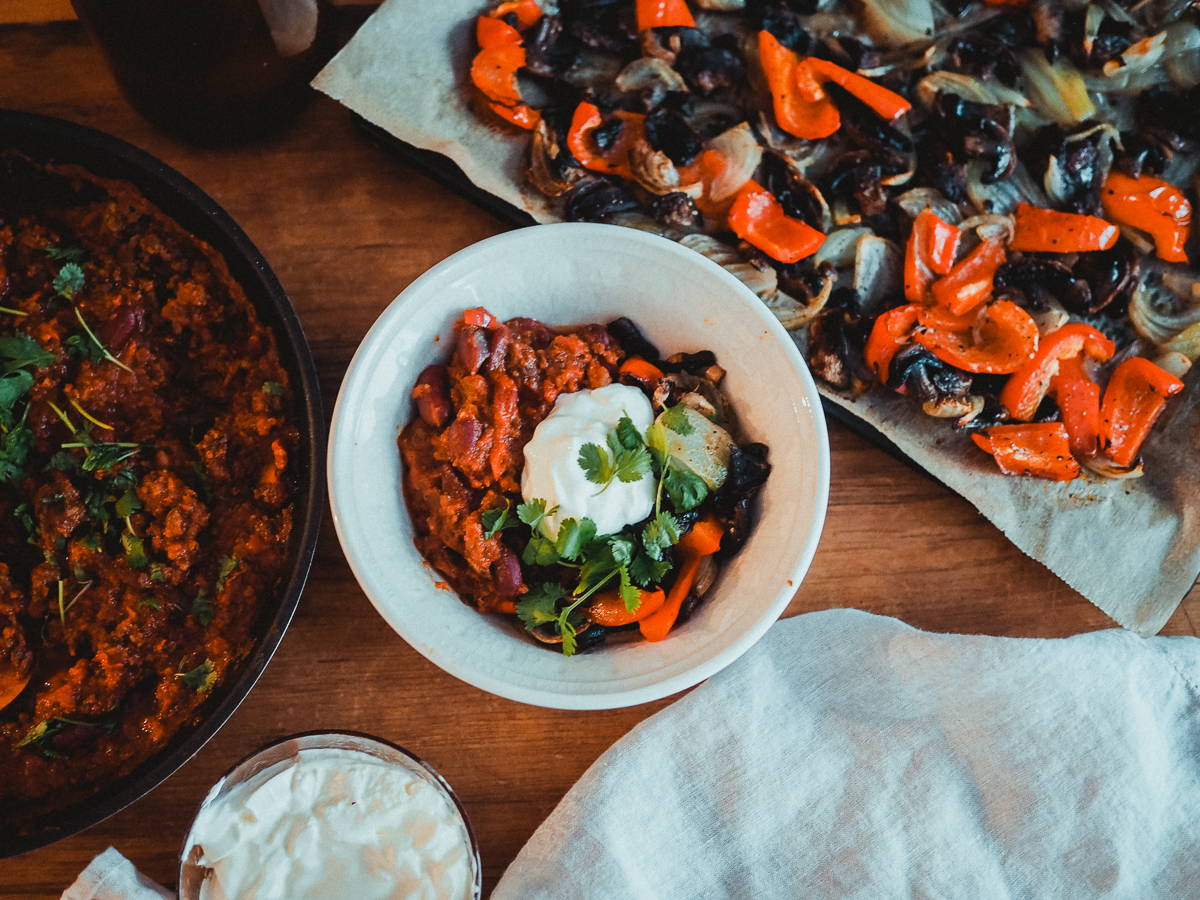 chili sin carne -kulho on helppo arkiruoka ja terveellinen resepti.